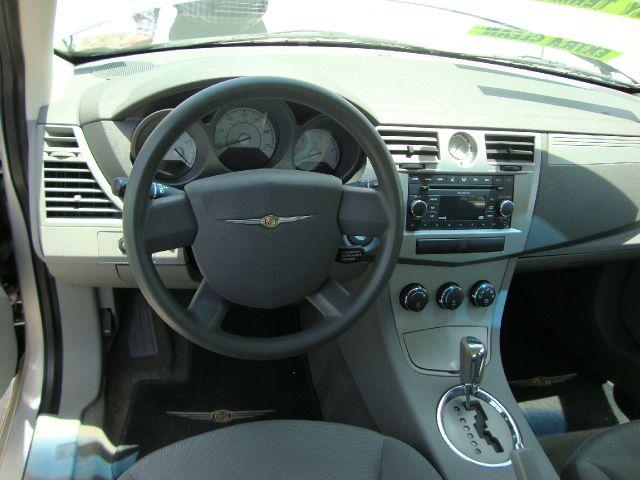 Chrysler Sebring Base Sedan