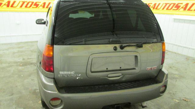 GMC Envoy XL LS 2500hd CREW CAB 4X4 Diesel SUV
