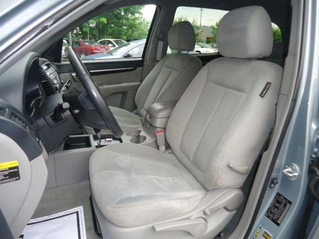 Hyundai Santa Fe Quattro SUV