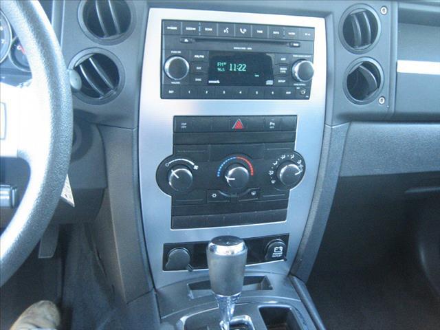 Jeep Commander SLT Crewcab 2wd SUV