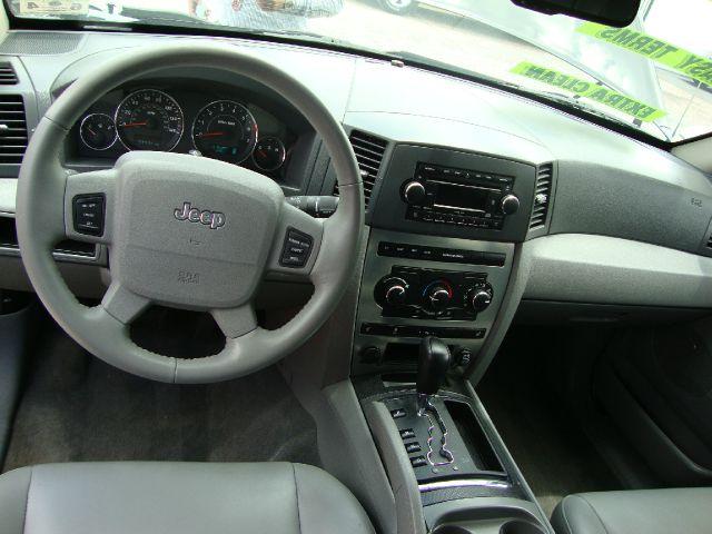 Jeep Grand Cherokee Sedan 4dr SUV