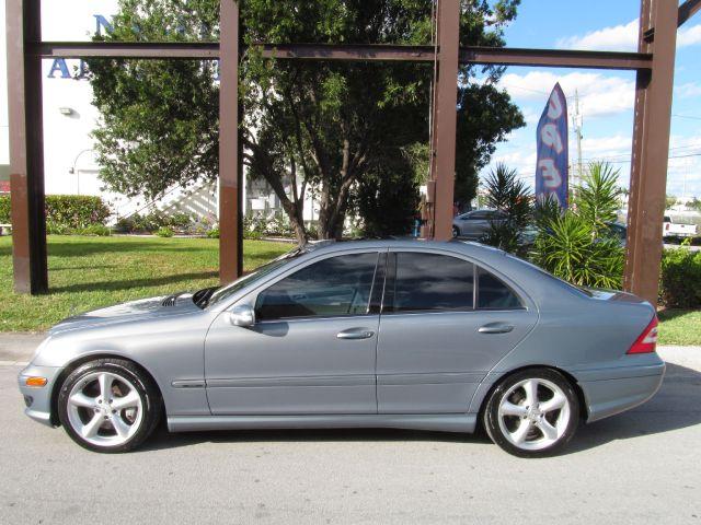 Mercedes-Benz C-Class 2006
