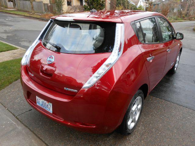 Nissan LEAF LS S Hatchback