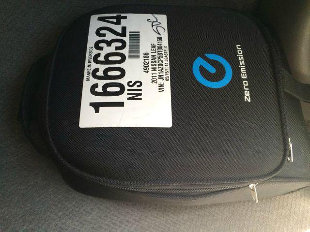 Nissan LEAF Lariat XL Hatchback