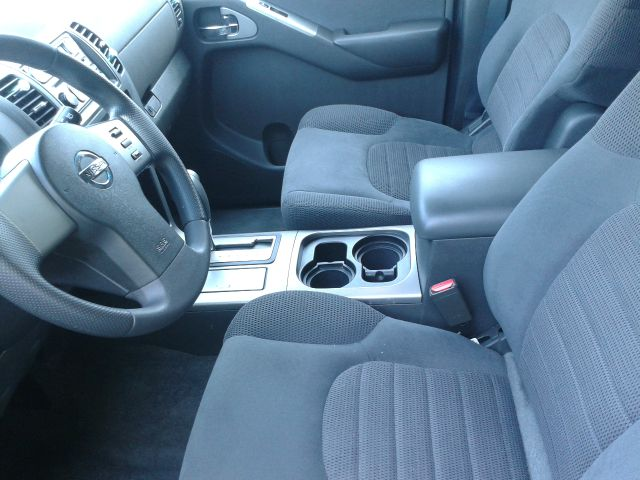 Nissan Pathfinder 29 SUV