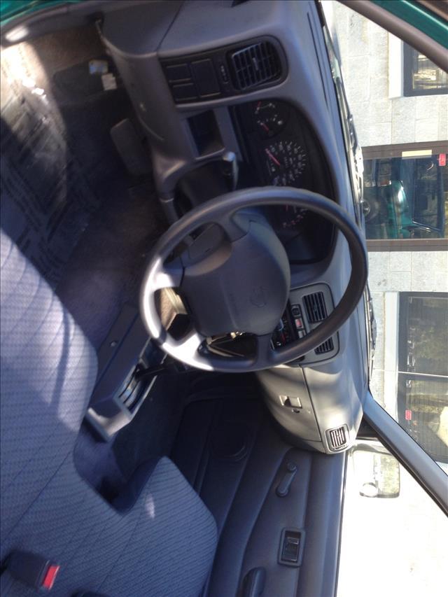 Nissan Pickup W/nav.sys Pickup Truck