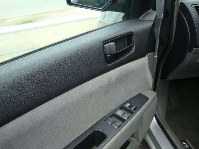 Nissan Sentra SLT Heavy DUTY Sedan