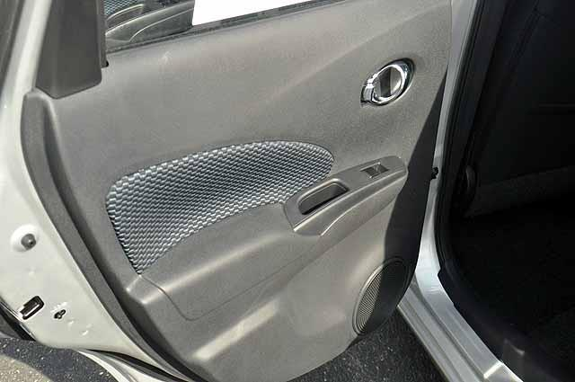 Nissan Versa Note 4.6L Eddie Bauer Hatchback