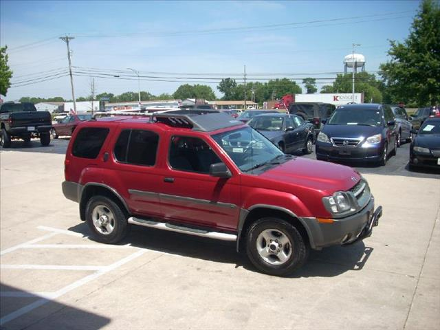 Nissan Xterra Unlimited 4WD SUV