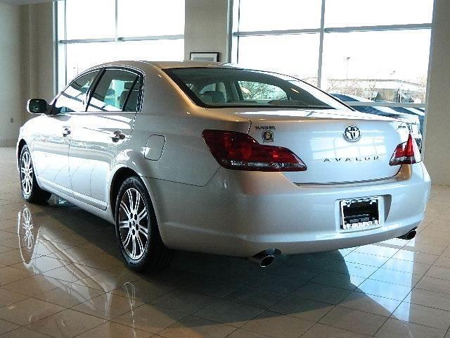 Toyota Avalon SE-L Sedan