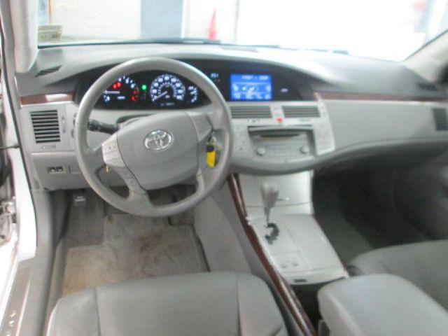 Toyota Avalon XLS Sedan
